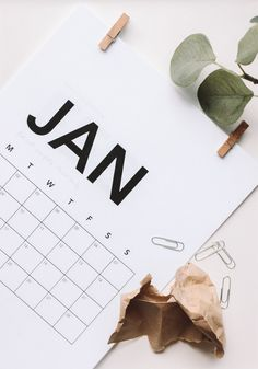 7 Simple Money Resolutions from Financial Planners