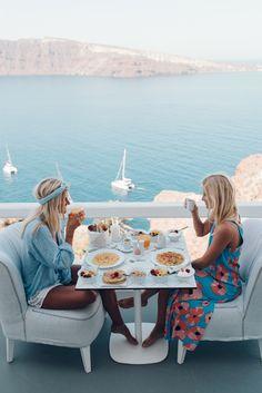 Breakfast with my girl, charisma suites. Dress: mister Zimi, shirt: faithful