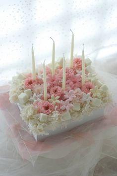サプライズのバースデイケーキ プリザーブドフラワーで : 一会 ウエディングの花