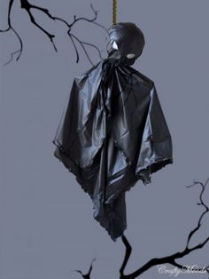 35 Ghosts, Skeletons And Skulls For Halloween Decoration | Shelterness