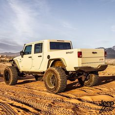 Morning Who remembers this Hemi Supercharged jeep? How many of you would leave your jeep for this bad boy? Jeep Wranglers, Jeep Wrangler Rubicon, Wrangler Unlimited, New Jeep Models, Jeep Brute, Jeep Concept, Willys Wagon, Cool Jeeps, Classic Trucks