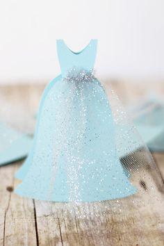 Disney Frozen Birthday Invitation. Create a beautiful Frozen themed birthday invitation that imitates Elsa's beautiful gown using your Cricut Explore.