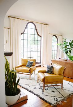 If there are rules that you as a renter must follow, make it these 10 commandments. While paying your rent on time is important, so too is making sure your place is personalized and stylish