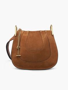 Discover Hayley Hobo and shop online on CHLOE Official Website. 3S1215H67
