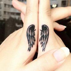 Tatuajes para dedos: la nueva moda para decorar tus manos