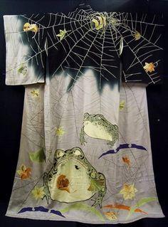 Bebe Taian: Coveted Kimono: Spiders + Toads, Oh My! Traditioneller Kimono, Mode Kimono, Traditional Kimono, Traditional Outfits, Japanese Textiles, Japanese Art, Japanese Design, Geisha, Costumes Japan
