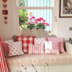 Liv's Swedish Home: Getting ready for the swopknusse kussens! Pretty Pillow, Country Decor, Decor, Small House Design Minimalist, Swedish House, Cottage Decor, Beautiful Small Homes, Home Decor, Soft Furnishings
