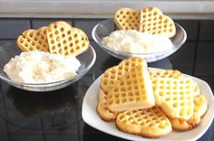 Low fat waffles according to Weight Watchers - recipe - Yogurt and pineapple cr. Low fat waffles according to Weight Watchers - recipe - Yogurt and pineapple cream with waffles - Potluck Desserts, Summer Dessert Recipes, Desserts For A Crowd, Easy Strawberry Desserts, Quick Easy Desserts, Healthy Desserts, Healthy Drinks, Breakfast Hotel, Weith Watchers