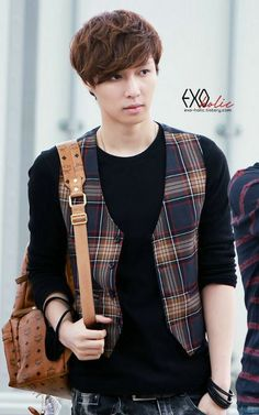 Brown haired Lay will always be my favorite Lay // Let's show EXO that we'll follow and love them into 2015!! #CheerUpEXO