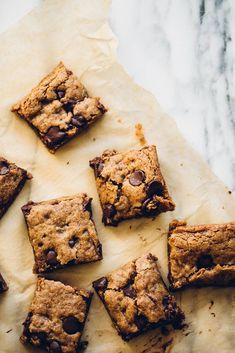 almond butter oatmeal chocolate chip cookie bars   vegan, gluten-free /
