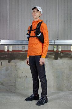JACKET[RUNNING]PARAHEM HOODED JACKET¥19.000+TAXBUYPANTS[RUNNING]RUNNING  LONG PANTS