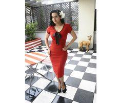 Sukienka retro Veronica. Czarwona w czarne kropki.