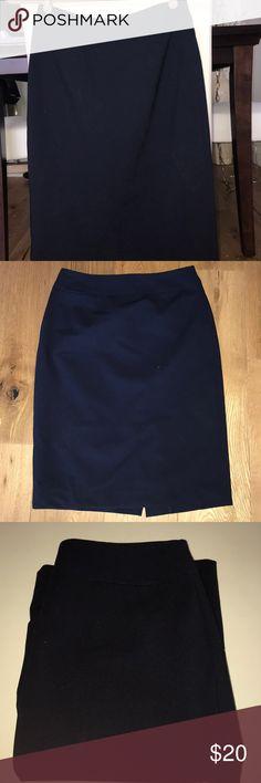 Navy Blue Calvin Klein Pencil Skirt. Size 2 Navy Blue Size 2 Pencil Skirt. Calvin Klein. Perfect for work. Calvin Klein Skirts Pencil