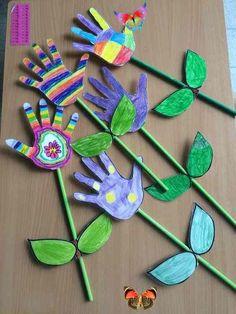 Okul Öncesi Sanat Etkinlikleri  <br> Okul öncesi sanat etkinlikleri ile çocukların sanat yönünü geliştirmeniz fayda sağlayacak etkinlik örnekleri aşağıdan bulabilirsiniz. Okul öncesi etkinliklerde hemen hemen her çeşit etkinlik örneklerinin yapılması gerekir. Özellikle de sanat etkinlikleri ile çocukların sanat yönlerinin geliştirilmesi gerekmektedir. Sanat etkinliklerinde çocukları sıkmadan onların yeteneklerini ve ilgili oldukları sanat dalını ortaya çıkarmak amaçlanır. Sanat etkinlikleri… Kids Crafts, Spring Crafts For Kids, Daycare Crafts, Easy Christmas Crafts, Toddler Crafts, Simple Christmas, Easter Crafts, Crafts To Sell, Diy For Kids