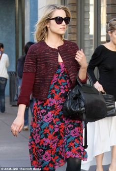 #diannaagron and #fashion   Hippy hippy shake! Glee's Dianna Agron embraces flower power with a bright frock