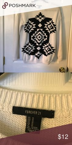 Forever 21 patterned sweater Comfy and in good shape Forever 21 Sweaters Crew & Scoop Necks