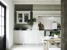 Suffolk kitchens, shaker-style design | Neptune