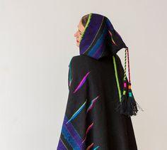 Más el tamaño ropa negro Poncho tejido a mano (vendido - aceptar órdenes de encargo)