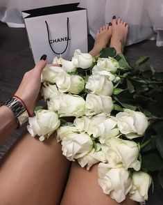 You would always like to make valentine day a special day of your life. Thus, you need to order flowers for valentine's day online. Beautiful Red Roses, Beautiful Bouquet Of Flowers, Beautiful Flowers, Bouquet Flowers, Rose Flowers, Luxury Flowers, Rose Pictures, Love Rose, Flower Aesthetic