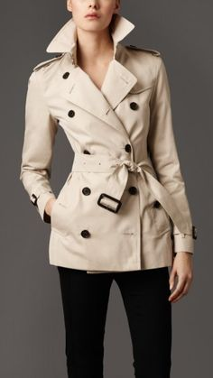 Label whore moment: I love me some Burberry. Timeless. Classic. The end.