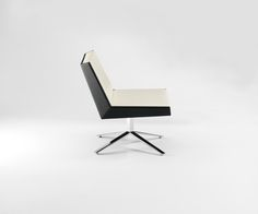 Fold Lounge Chair Four Star Base Side View