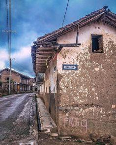 Serie #oldhouse #street #Ecuador #AllYouNeedIsEcuador #iPhoneonly