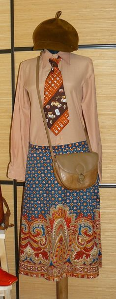 skirt Vintage skirt and a mans tie from the same decade, mixed with a beige shirt, a modern messenger bag in tan and a hat Vintage Skirt, Vintage 70s, Beige Shirt, Messenger Bag, Hat, Modern, Skirts, Clothes, Chip Hat