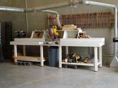 Maybe dad can build me this for Christmas : ) Miter Saw Station