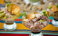 Ceviche de robalo: receita da Bela Gil - Prato típico ganha toque especial com chips de batata-doce e cubos de abacate