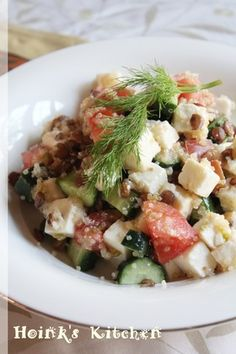 キヌアとレンズ豆の地中海風サラダ