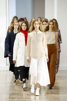 Lemaire Spring 2016 Ready-to-Wear Fashion Show Fashion Week, I Love Fashion, Passion For Fashion, Runway Fashion, Fashion Show, Fashion Design, Net Fashion, Fashion Trends, Spring Summer Fashion
