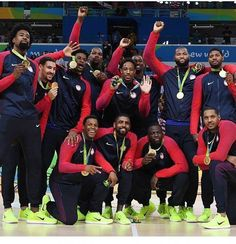 RIO DE JANEIRO — Carmelo Anthony had one last thing to teach his young teammates.On the podium wearing his third Olympic gold medal, Anthony, who led this inexperienced United States team from the mom Olympics News, Rio Olympics 2016, Summer Olympics, Olympic Committee, Olympic Team, Olympic Games, Team Usa Basketball, Basketball Court, Basketball Information