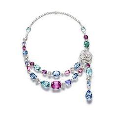 Colar, coleção Limelight Garden Party, ouro branco com diamantes, turmalinas, espinelas, águas-marinhas, berilos e safiras, Piaget