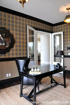 Plaid wallpaper, – Home Office Wallpaper Masculine Home Decor, Masculine Home Offices, Masculine Room, Masculine Office, Office Interior Design, Home Office Decor, Office Interiors, Office Designs, Plaid Wallpaper