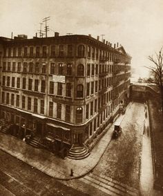 Looking down Rector Street at Broadway, 1880. This is now the site of the Empire Building