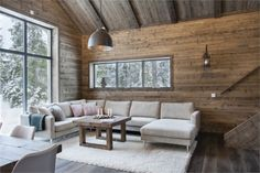 A chalet in the mountains in Sweden - Cabin Decor Chalet Interior, Interior Exterior, Interior Design, Chalet Design, House Design, Construction Chalet, Modern Cabin Decor, Cabin Interiors, Log Homes