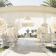 """1,275 Likes, 41 Comments - WedLuxe Media (@wedluxe) on Instagram: """"Say hello to the monochromatic, all-white #wedding of our dreams! Luxe #draping, a…"""""""