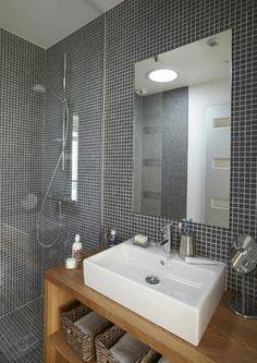 Décoration salle de bains : 21 belles photos de salles de bains qui optimisent l'espace - CôtéMaison.fr                                                                                                                                                                                 Plus