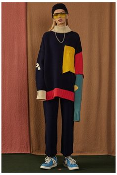 A street style brand that's perfectly contemporary and cool, Korean fashion label Ader Error delivers urban looks with clever and quirky details. Pop Art Fashion, Fashion Poses, Love Fashion, Korean Fashion, Winter Fashion, Fashion Outfits, Fashion Design, Fall Winter 2016, Harajuku Fashion