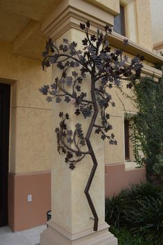 árbol metálico para exterior