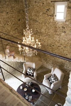 someday I will own an old stone house in Provence. Rustic Elegance, Rustic Chic, Modern Rustic, Rustic Stone, Vintage Modern, Beautiful Space, Beautiful Homes, Gite Rural, Interior And Exterior