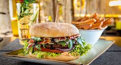 Speisekarte und Getränkekarte von HANS IM GLÜCK - Burgergrill und Bar | Hans im…