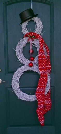 The Best DIY and Decor Place For You: I love this snowman for the front door for Christmas