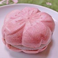 桜の香り高い最中♪/sakura cake wite a beans paste