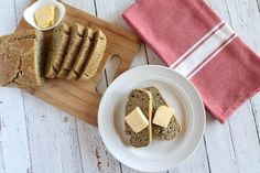 This easy paleo Almond Flax Keto Bread recipe stands on it's own with a wonderfully dynamic flavor with a crunchy crust and soft savory inside. Bread Machine Banana Bread, Banana Bread Almond Flour, Chocolate Zucchini Muffins, Gluten Free Banana Bread, Make Banana Bread, Keto Bread, Zucchini Bread Recipes, Banana Bread Recipes, Cheese Sauce For Steak