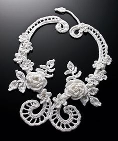 Irish Filigree necklace pattern (free) by Annie Potter {Uses 150 yards of #10 crochet thread, 1.65 mm steel hook}