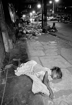 'Street Children of Bombay' by Dario Mitidieri. I cannot image one of my children alone on the streets. This breaks me!