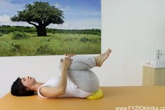 Uvolnění beder - kolébka na overballu Conditioner, Yoga, How To Plan, Health, Fitness, Diet, Health Care, Salud