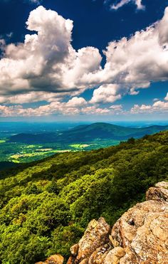 My favorite place to be! Shenandoah National Park in Virginia plays host to 101 miles of the Appalachian Trail. Definitely a place to visit. Very beautiful scenery and fun things to do The Places Youll Go, Places To See, Shenandoah National Park, Shenandoah Valley, Shenandoah Virginia, Perfect Day, Virginia Is For Lovers, Destination Voyage, All Nature
