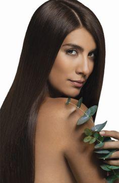 Andrea Serna is a famous Colombian model, TV presenter, reporter, TV show hostess, radio DJ and TV producer